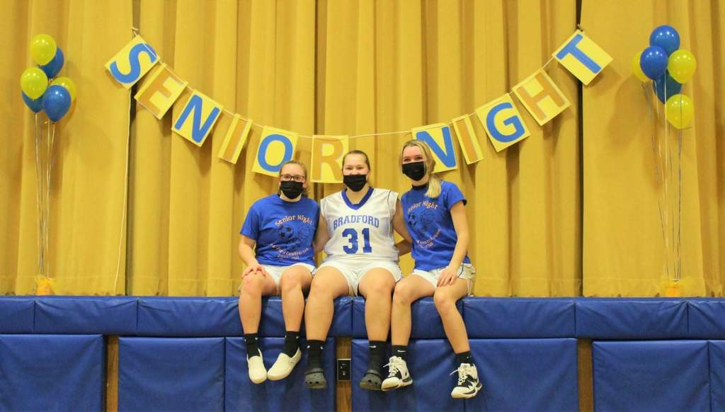 senior pic girls bball